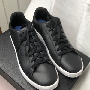 NWT K. Swiss black leather tennis shoes
